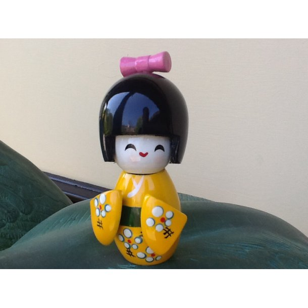 Kokeshi dukke gul S