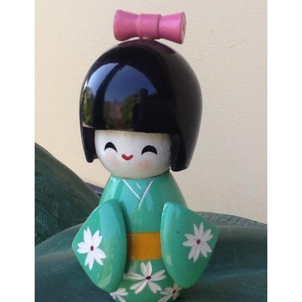 Kokeshi dukke 11 cm grøn str M