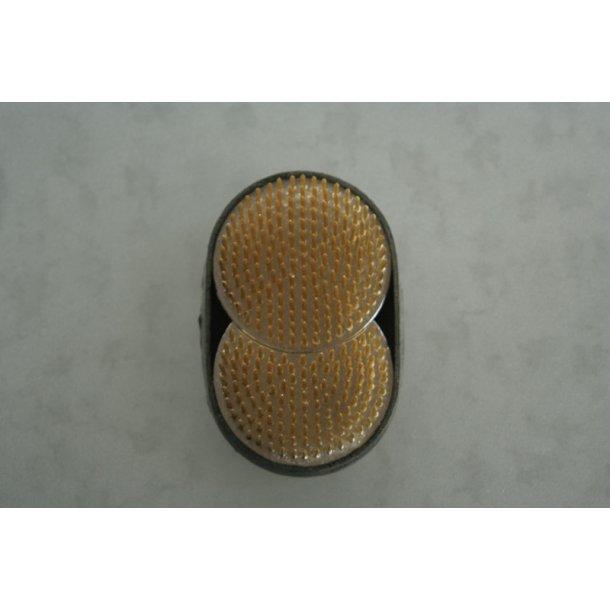 Fakir oval - delbar, 8,5 og 5,5 cm i diameter.