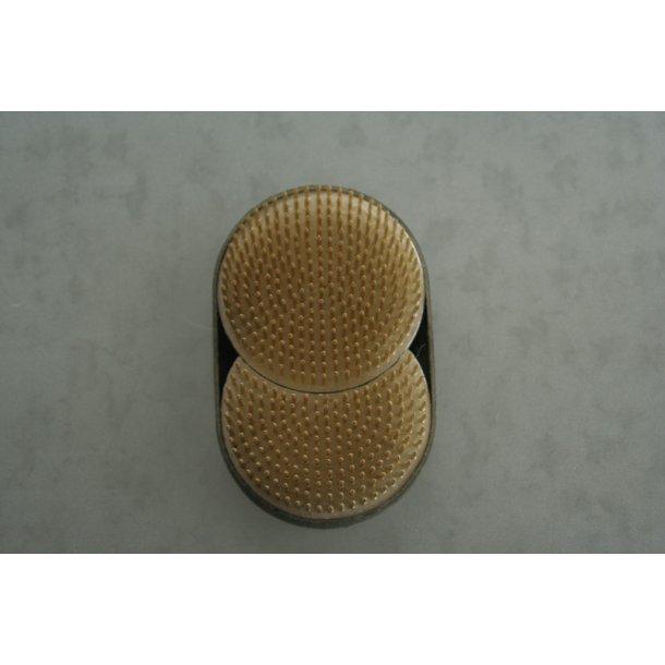 Fakir oval - delbar, diameter på 11 og 7 cm.
