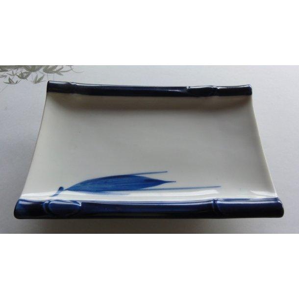 Firkantet Sushi tallerken med blå kant og bambus