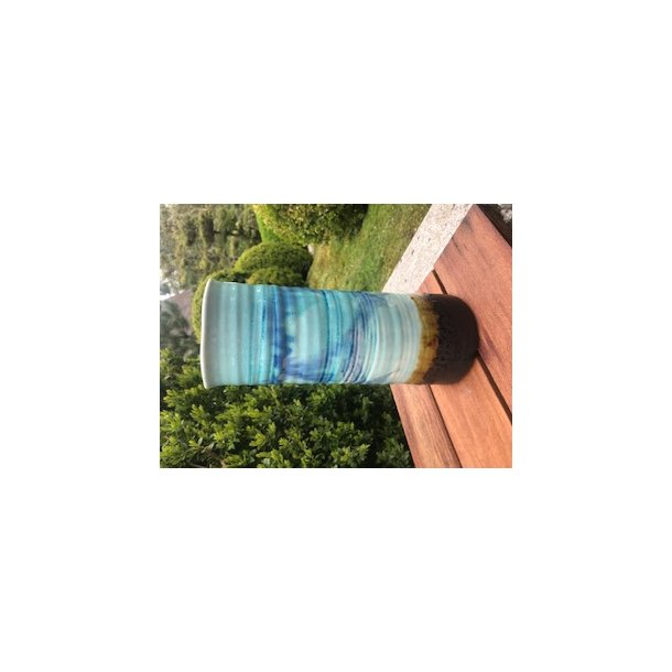 Vase i blå og brun