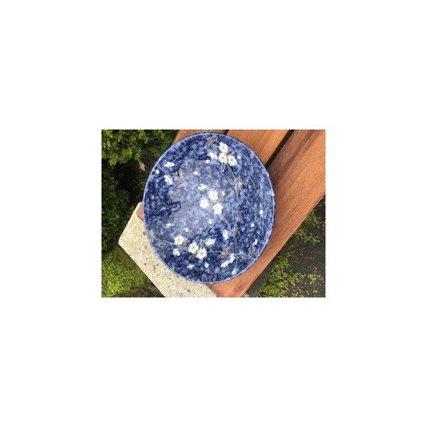 Stor blå skål med kirsebærblomster